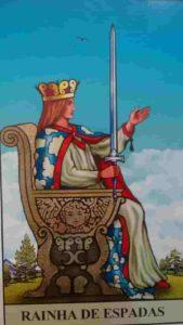 Conselho e Significado Carta de Tarot Rainha de Espadas