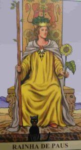 Significado e Conselho Carta de Tarô Rainha de Paus