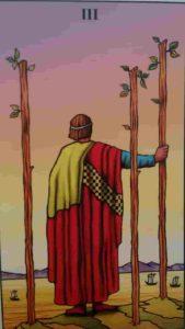 Significado e Conselho Carta de Tarô Três de Paus